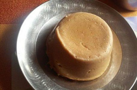 Djenkoumè au lait de coco