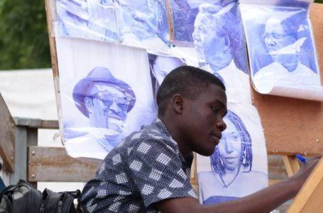 Emmanuel Yemey, étudiant et artiste plasticien