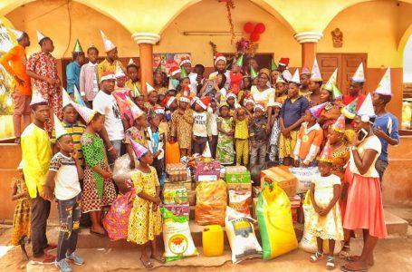 Noël 2019 aux enfants démunis: Associez-vous aux associations MDB et Bsbiztogo