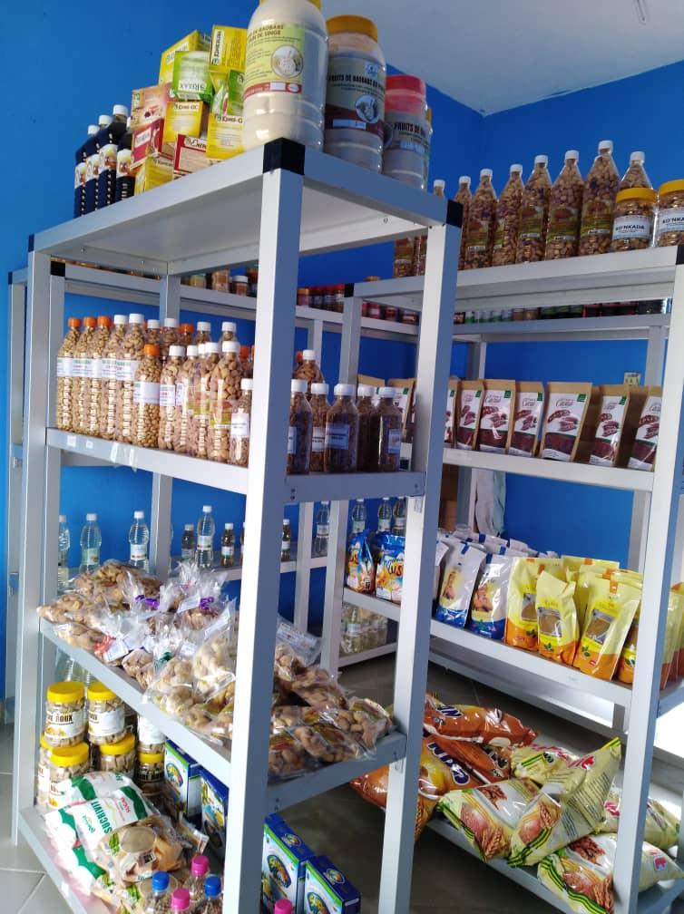 Togo Boutique présente un cadre bien aménagé.