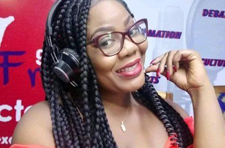 Solange NYATEPE-COO: de longues années à faire passionnément de la radio