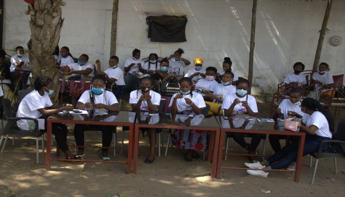 La formation de boucle avec M. Ellena AMAH_Journée de formation organisée par l'association Fille Au Sommet_MyAfricaInfos