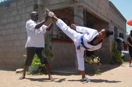Zimbabwe : À 17ans, elle lutte contre le mariage forcé grâce au taekwondo!